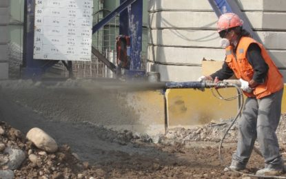 extended working time with hydration control admixtures