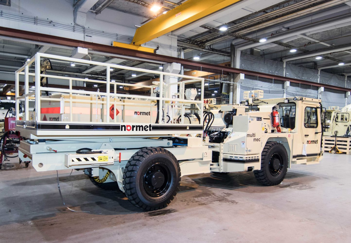 Multimec MF 100 with lifting platform